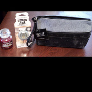 Yankee Candle Accents - Yankee Candle Clutch with Accessories